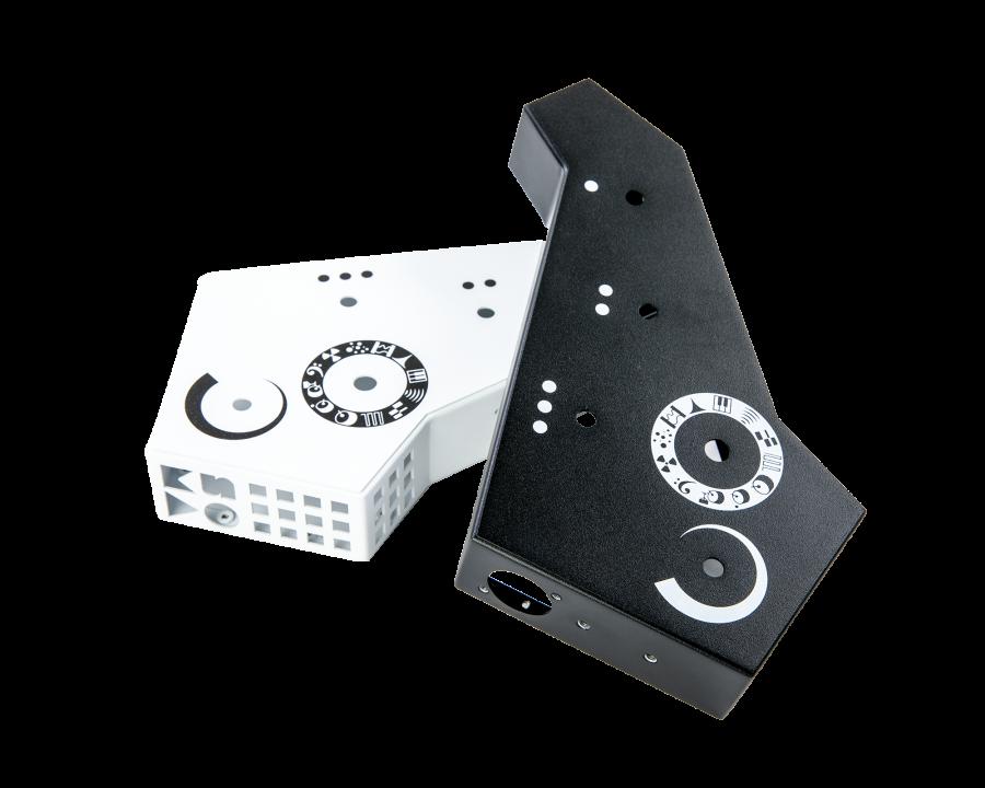 Корпус гибридного синтезатора черный и белый вариант